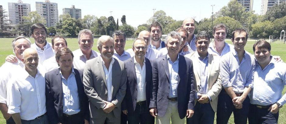 Héctor Gay compartió un almuerzo de trabajo con el presidente Macri y un grupo de intendentes bonaerenses